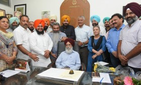 Surjit Patar assumes charge as Chairman Punjab Arts Council