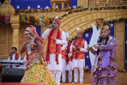 Students get lessons in life, religion at Sanskar Mahotsav
