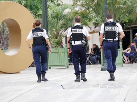 """Grüne Jugend sieht """"eskalierende Polizeigewalt"""" – Pyrotechnik auf Polizisten"""