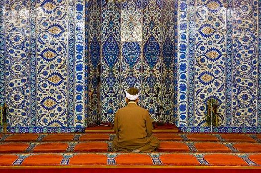 turkey-istanbul-interior-rustem-pasa-mosque