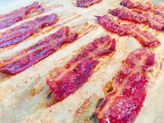 Zucker und Rub auf den Bacon