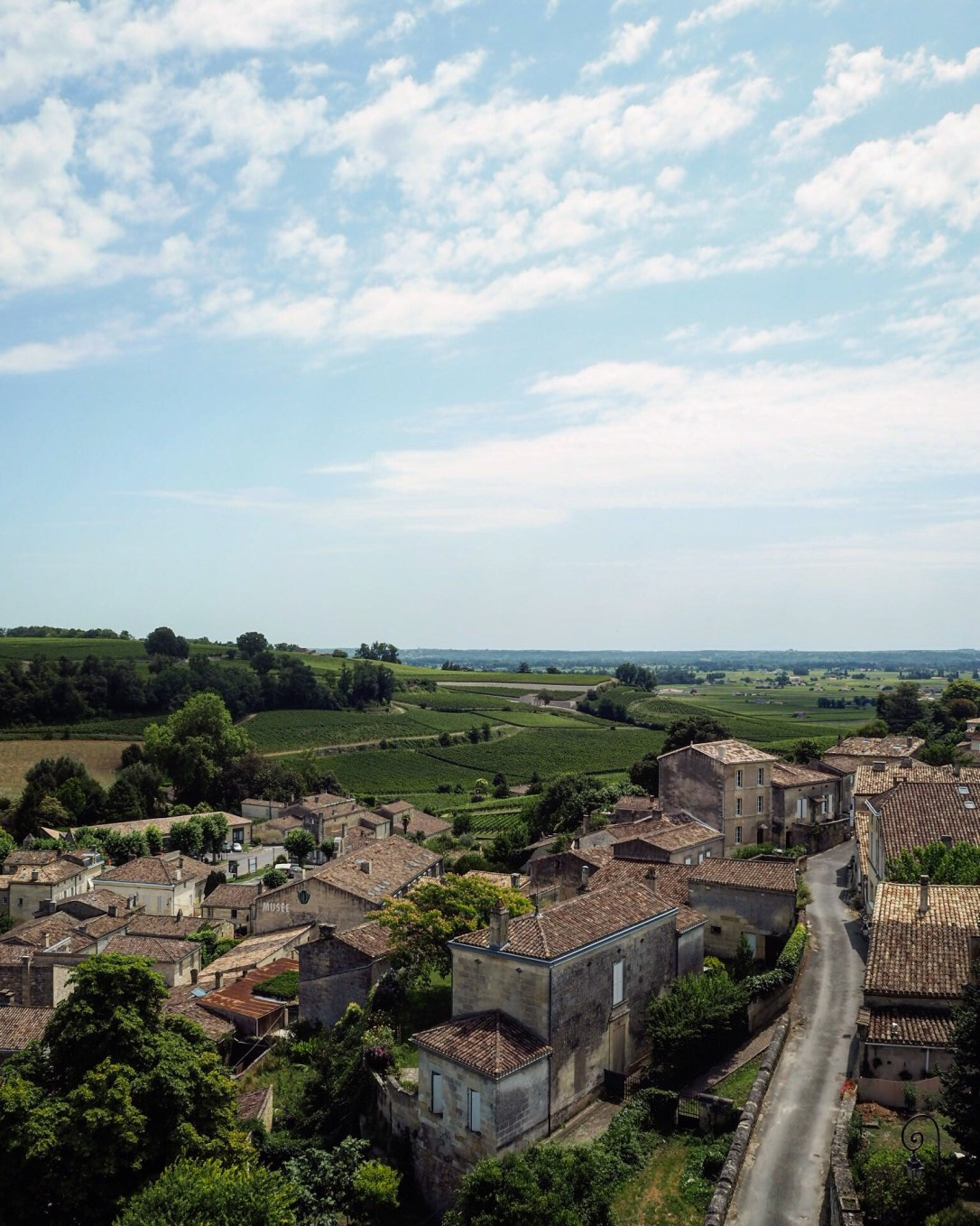 View of the Aquitaine countryside - Bordeaux to St Émilion by train