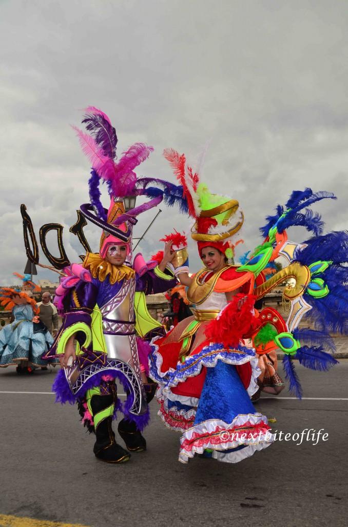 carnival malta 2014 - a couple in multicolor outfits