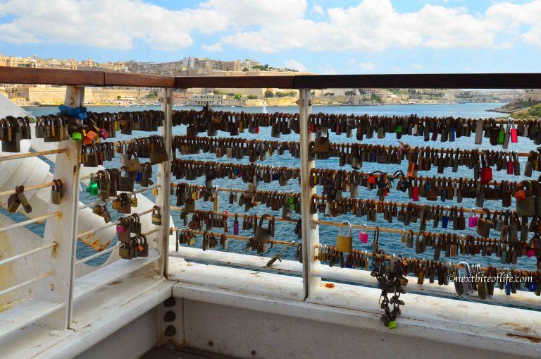sliema love locks