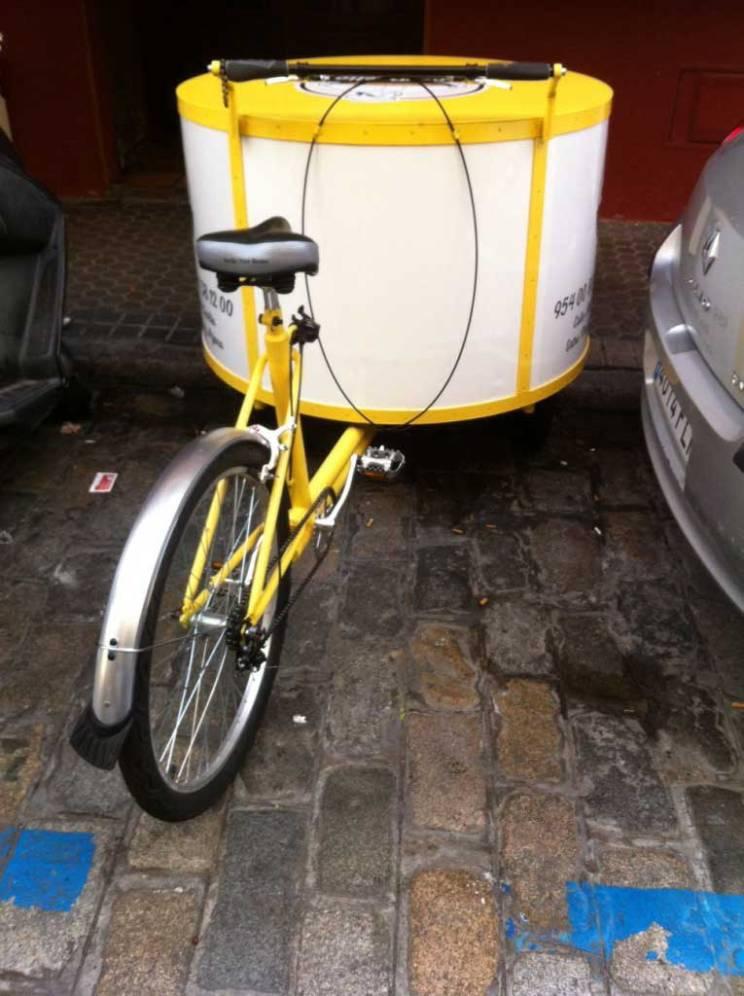 la paella seville delivery bike #lapella #bestpaellaseville #sevillefood #sevillepaella