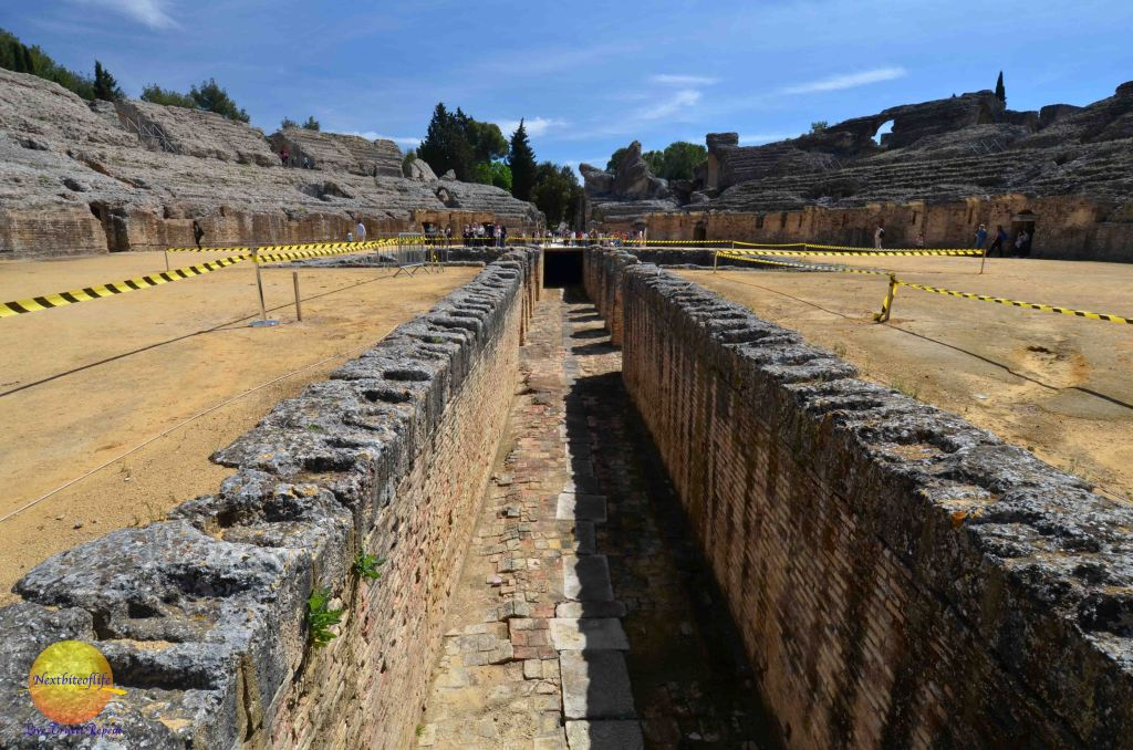 santiponce italica ruins amphiteatre