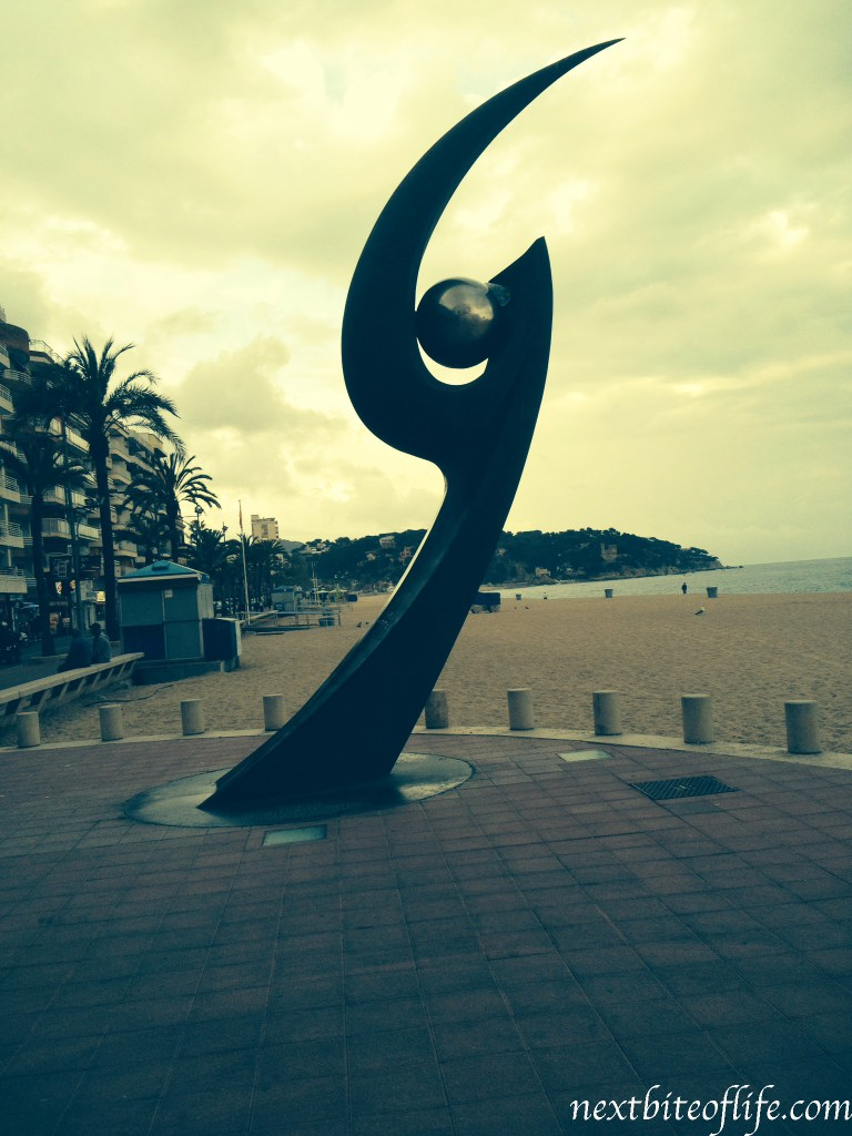 beach front statue lloret de mar beach
