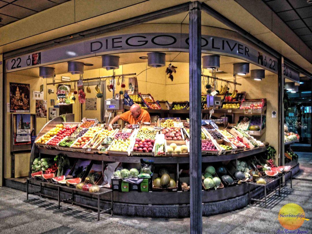 encarnacion market, seville stall with grocer