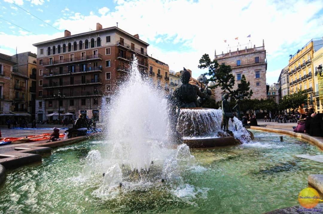 neptune statue fountain Valencia