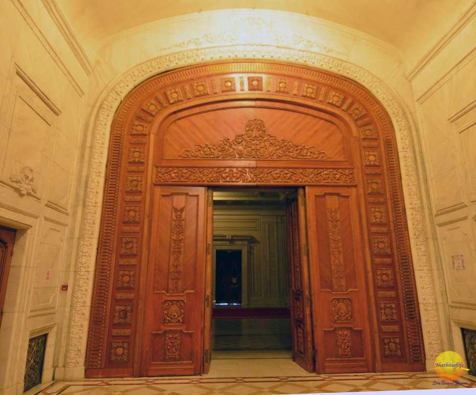 doors palace of parliament