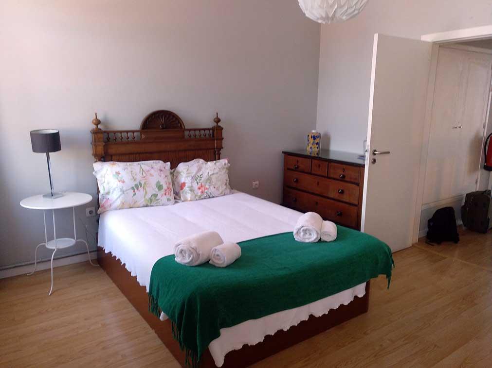 airbnb room porto portugal