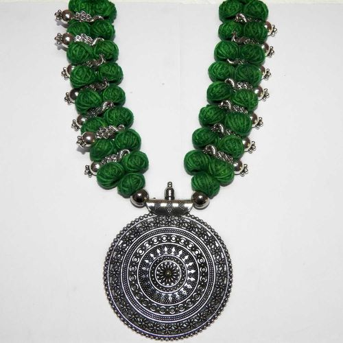 NextBuye Double Beaded Necklace with Pendant [Green] 1