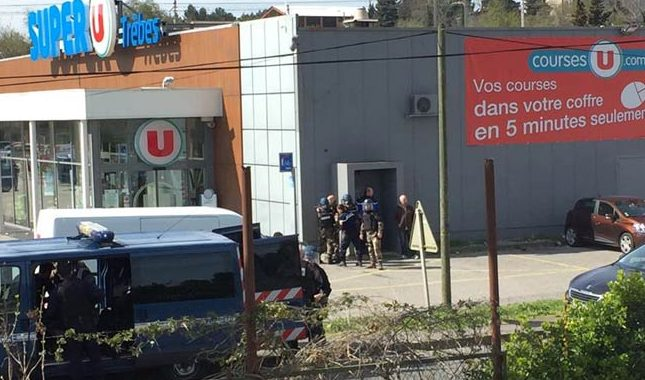 3 killed in supermarket hostage-taking