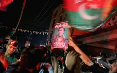 Foreign Titbits:  Ex-cricketer Khan leads Pakistan elections in early counting