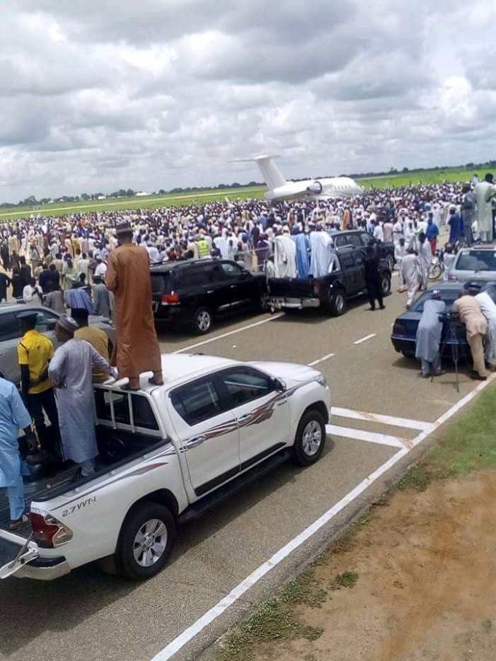 PHOTOS OF THE DAY:  Wammako's show of popularity in Sokoto