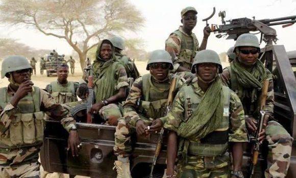 Nigerian soldiers battle Boko Haram in Damasak