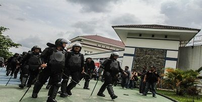 113 inmates break out from jail in West Indonesia, 4 arrested