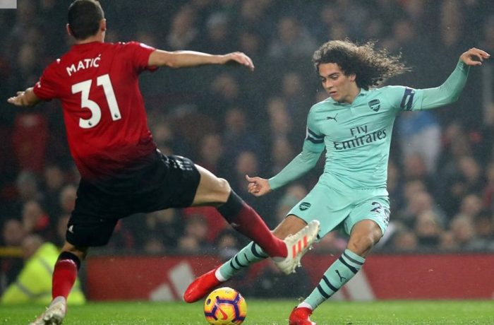 Manchester United struggle for 2-2 draw with Arsenal