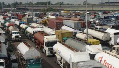 Buhari Visit: Lagosians React to Evacuation of Tankers, Trailers on Eko Bridge