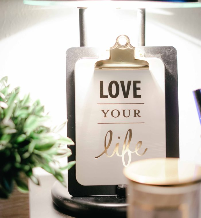 bright-candle-clipboard-811575