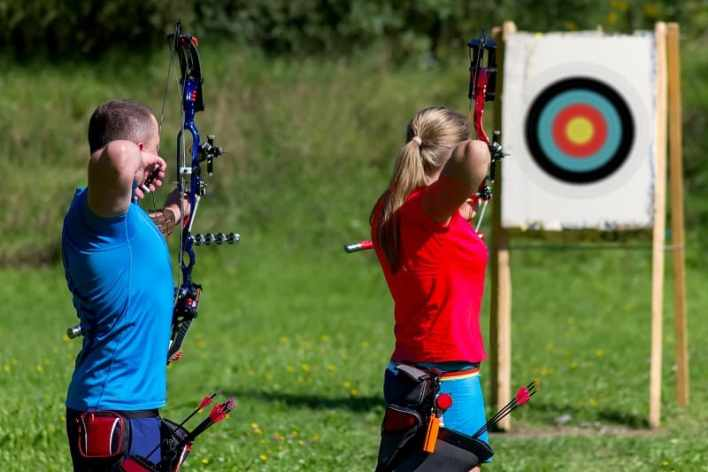 Archery-Best-Hobbies-For-Couples