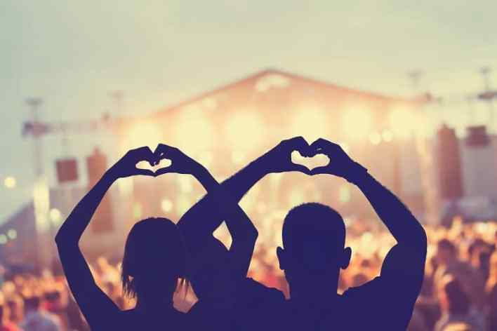 Concertgoing-Best-Hobbies-For-Couples