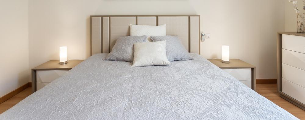 The 60+ Best Minimalist Bedroom Ideas - Interior Design ... on Neutral Minimalist Bedroom Ideas  id=86794