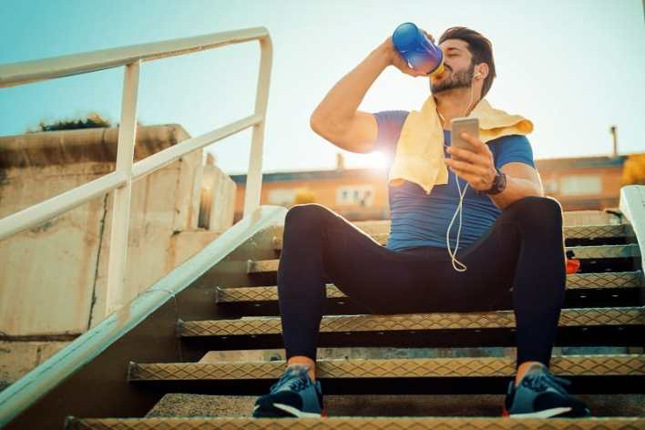 Sports-Drinks-Nutrition-Tips-for-Athletes