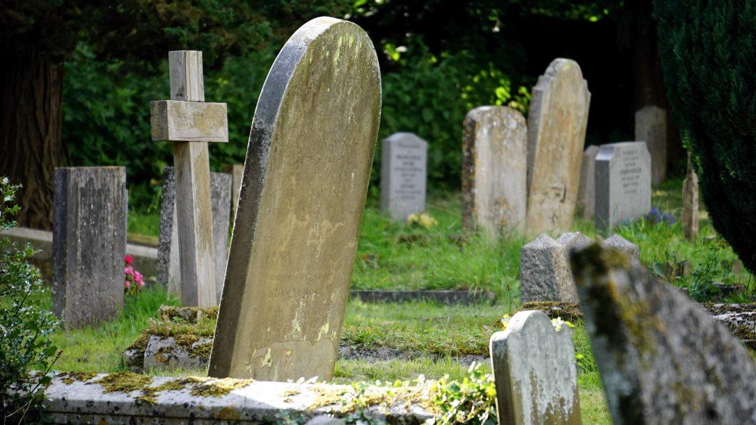 Cemetery_Grave_Obituary_Stock_Photo
