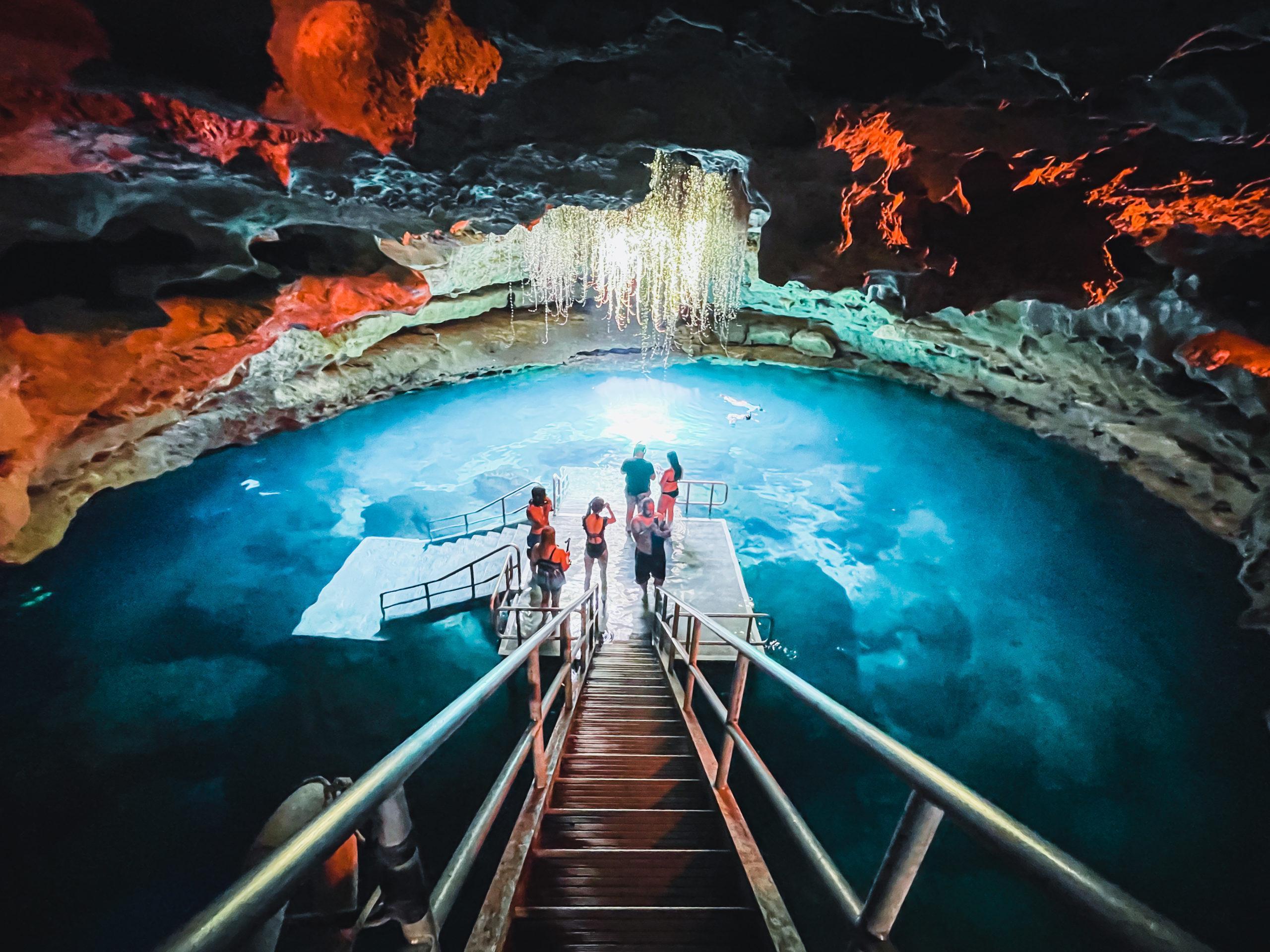 devil's den underground spring cave