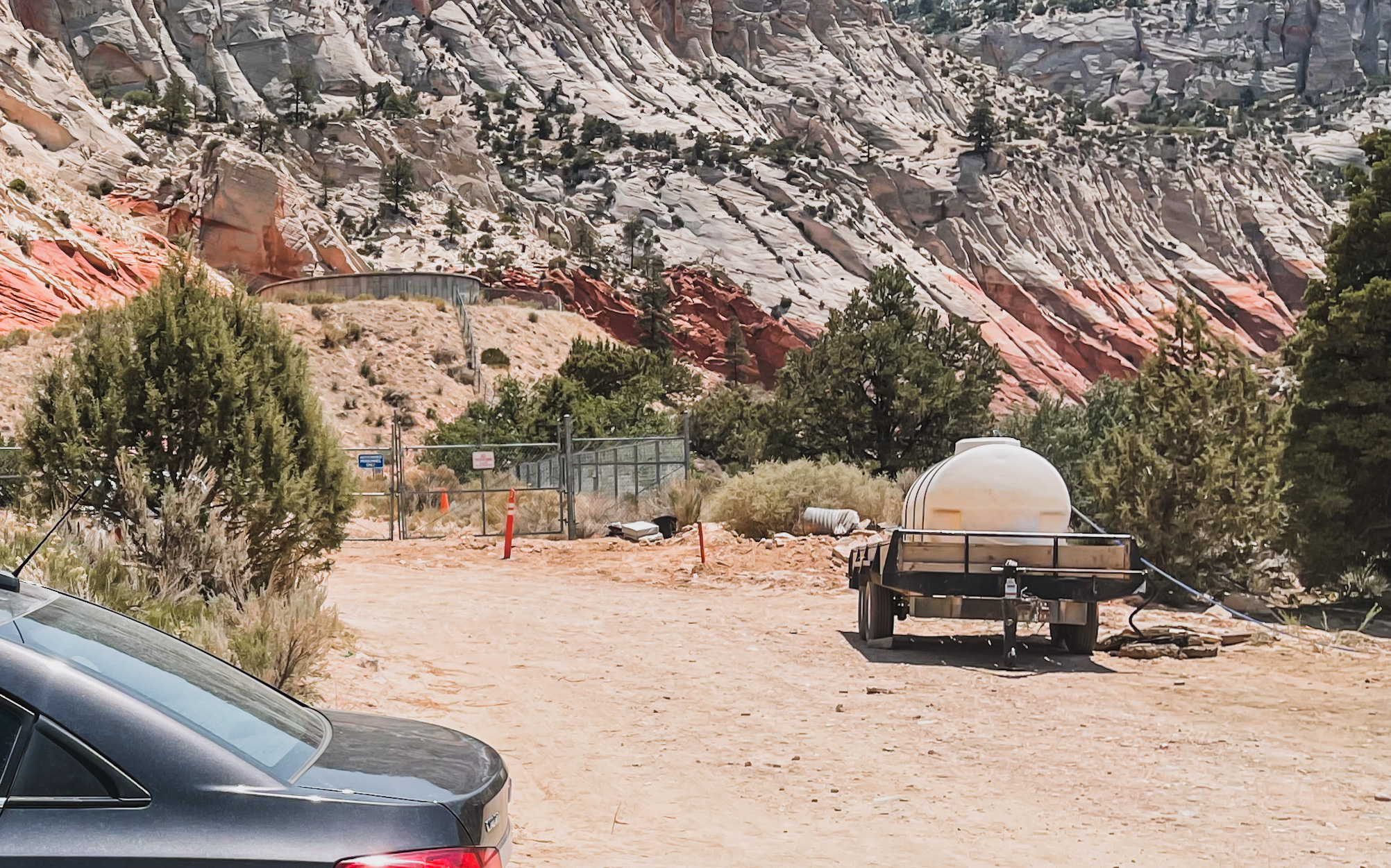 parking area of red hollow slot canyon