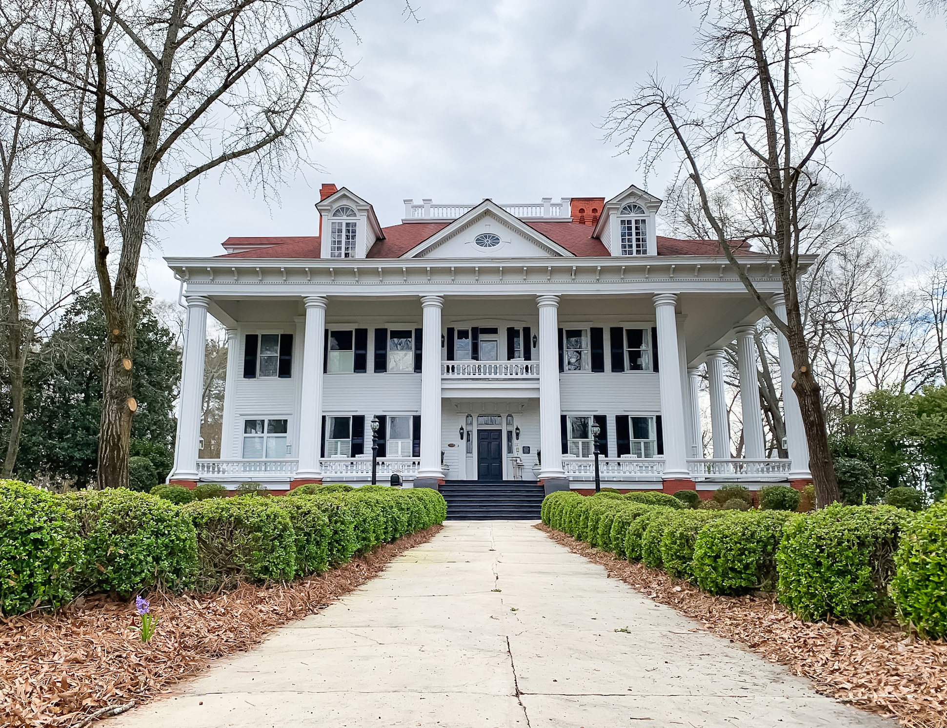 the flashback mansion tour of mystic falls the vampire diaries
