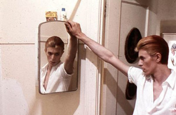 david bowie w mirror