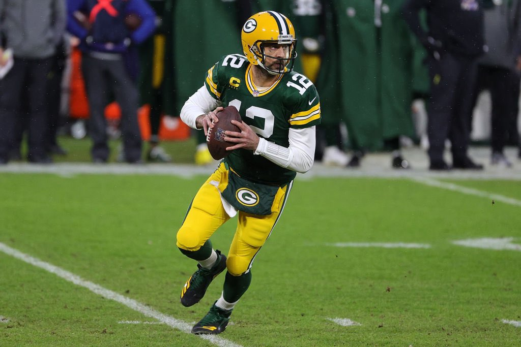 Aaron Rodgers a Packers-nél marad