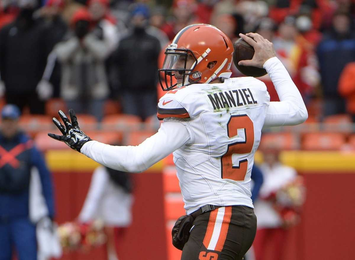 NFL Notes: Johnny Manziel, Dolphins, Patriots
