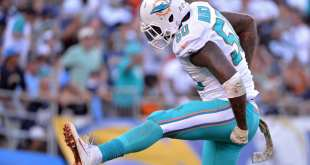 USATSI_9675603_168383805_lowres Dolphins Re-Signing DE Andre Branch To Three-Year, $27M Deal