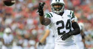 Darrelle-Revis-4 Chiefs Sign CB Darrelle Revis To Two-Year Deal