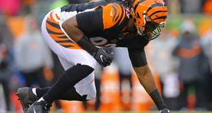 USATSI_9762319_168383805_lowres Buccaneers Sign DE Will Clarke, Waive DL Channing Ward