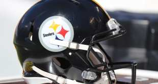 Steelers-Helmet-5 Santonio Holmes Officially Retiring As Member Of Steelers