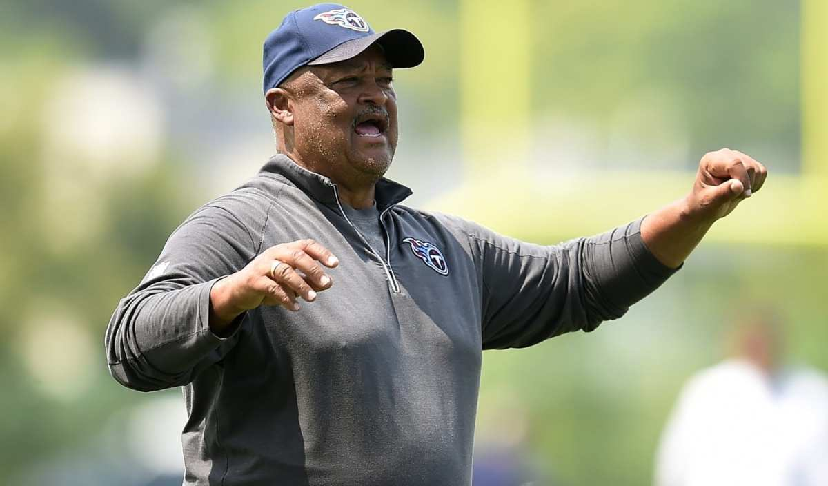 Titans Firing Three Coaches Including Offensive Coordinator Terry Robiskie