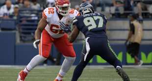 USATSI_10244848_168383805_lowres Seahawks Re-Signing DE Marcus Smith To One-Year Deal