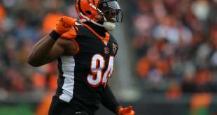 USATSI_10478819_168383805_lowres Bengals Interested In Re-Signing DE Chris Smith
