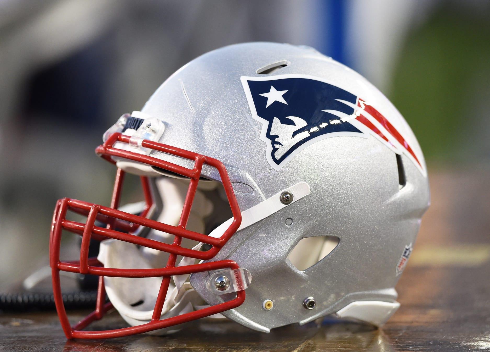 Patriots-helmet-8