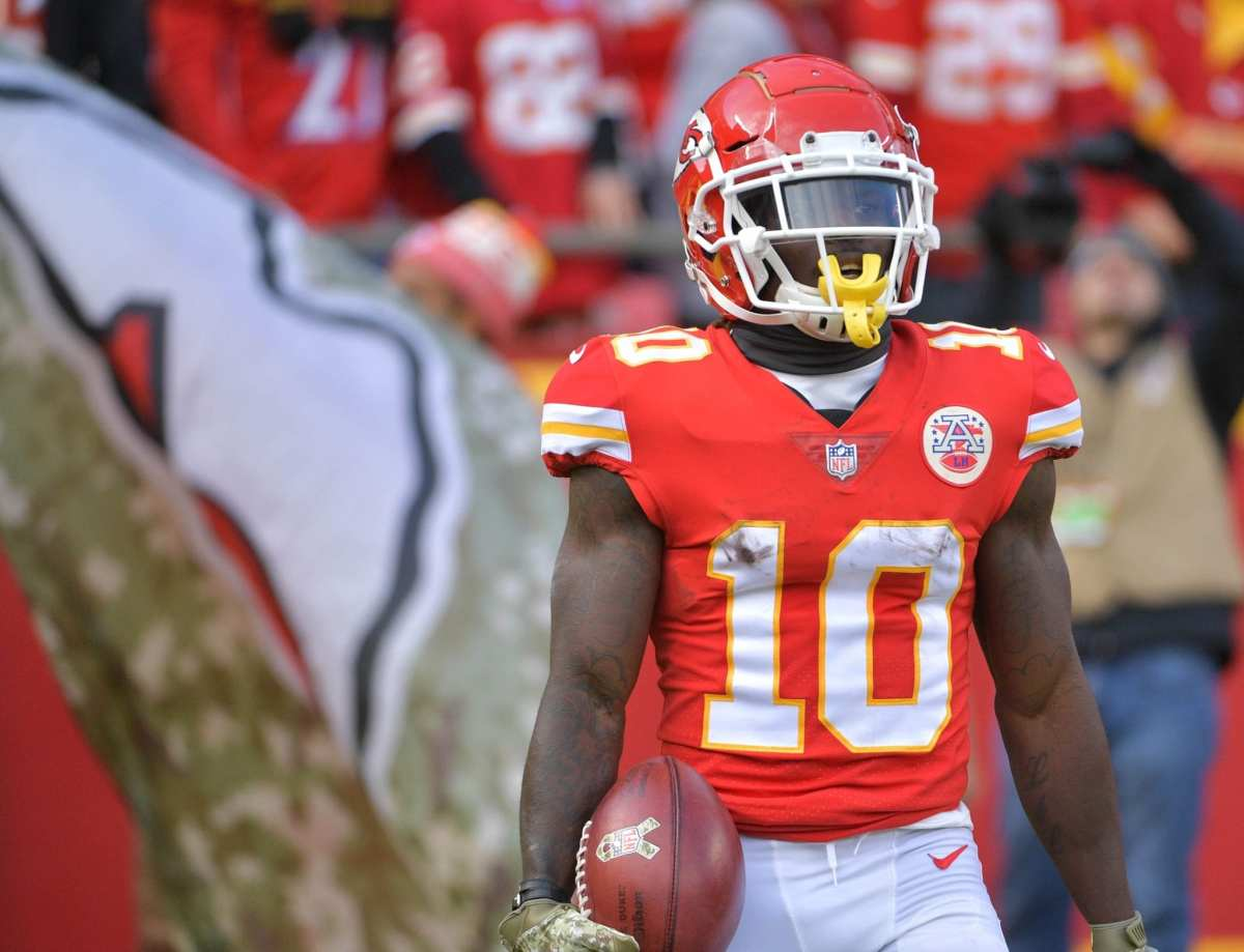 "Chiefs WR Tyreek Hill's Foot Injury Is ""Nothing Serious"", Considered Day To Day"