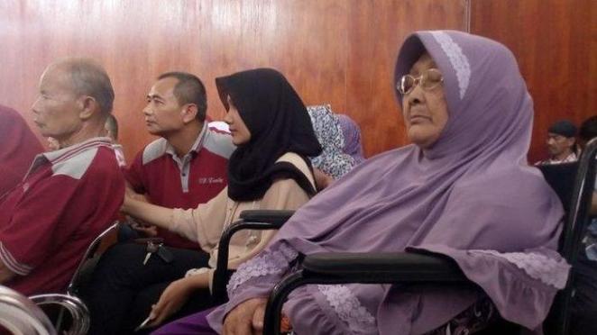 Nenek Amih kembali harus berurusan dengan hukum di masa senjanya