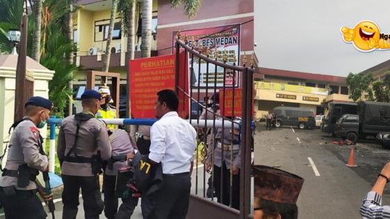 Pelaku Bom Bunuh Diri di Polrestabes Medan Tewas Dilokasi