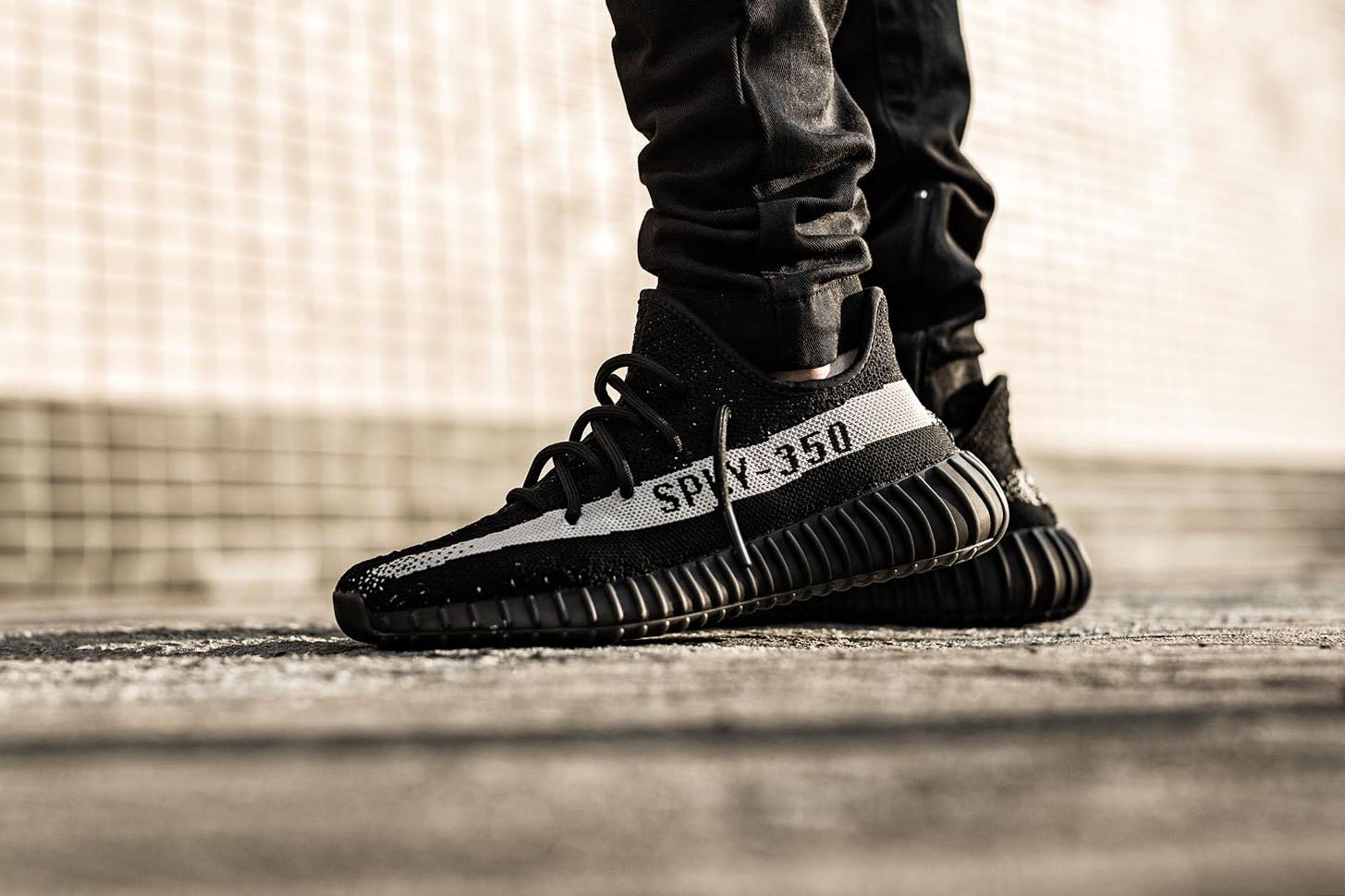 823147595930 adidas originals yeezy 350 boost v2 core black red