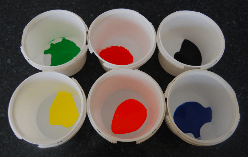 colorants in bowls