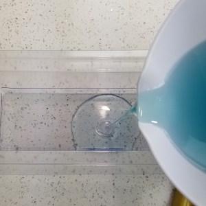 Hawaiian Splash MP Soap Recipe: Filling the Soap Loaf Mold
