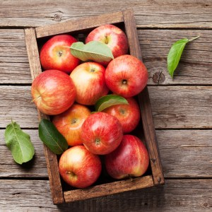 How to Make Apple Scented Candles and Cosmetics